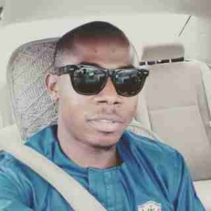 Young Man Shades FCMB On Twitter, Bank Replies With Epic Clap Back (Photos)